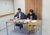 توقيع اتفاقية بين مؤسسة تعاون لحل الصراع والممثلية الفنلندية
